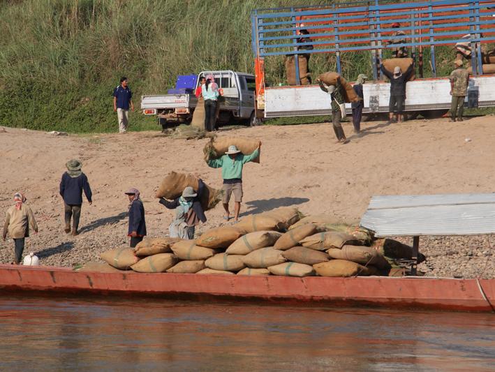Mekong Arbeit am ufer