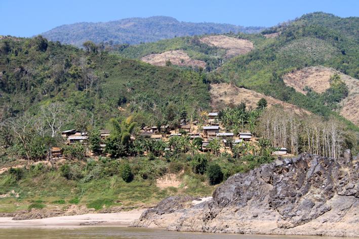 Mekong Dorf am Fluss