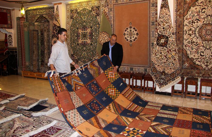 Teppichhändler  Tarifa – Tanger und zurück – Backpack & Campingbus