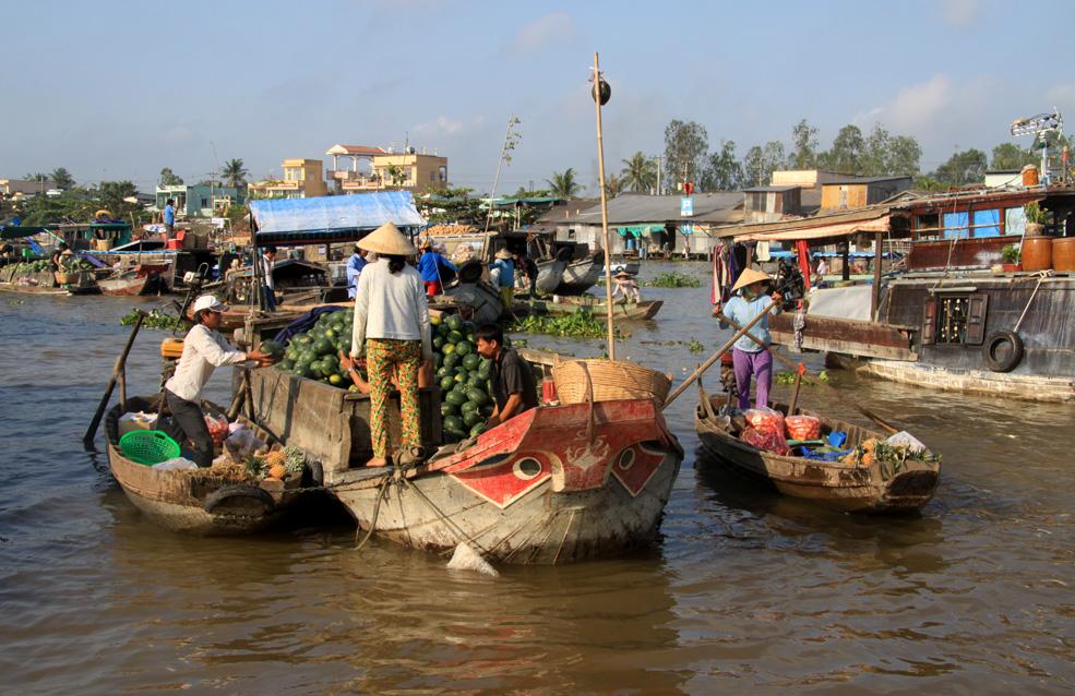 """Unterwegs im Mekong-Delta: """"Der Tagesspiegel"""" Das Mekongdelta dehnt sich über sagenhafte 40.000 Quadratkilometer aus. Mit der """"Gecko Eyes"""" lässt es sich beschaulich befahren – und vietnamesischen Alltag erleben."""