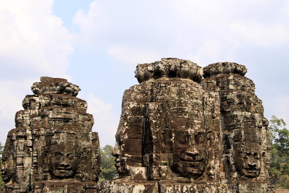 """Tempelkunde in Angkor: """"taz"""" Wer an eine Reise nach Kambodscha denkt, meint Angkor. Die Tempelanlage zieht massenhaft Touristen an. Dennoch ist es möglich, ihre Magie zu erfahren."""