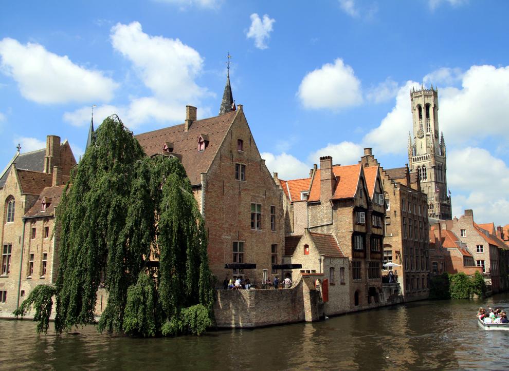 """Hotel der Woche: """"Relais Bourgondisch Cruyce"""" Brügge (Belgien) Im Herzen des mittelalterlichen Brügge gelegen, bietet das Hotel Komfort und Service vom Allerfeinsten. Dementsprechend sind auch die Zimmerpreise - aber jeden Cent wert. Eines der schönsten Luxus-Hotel in Flandern!"""