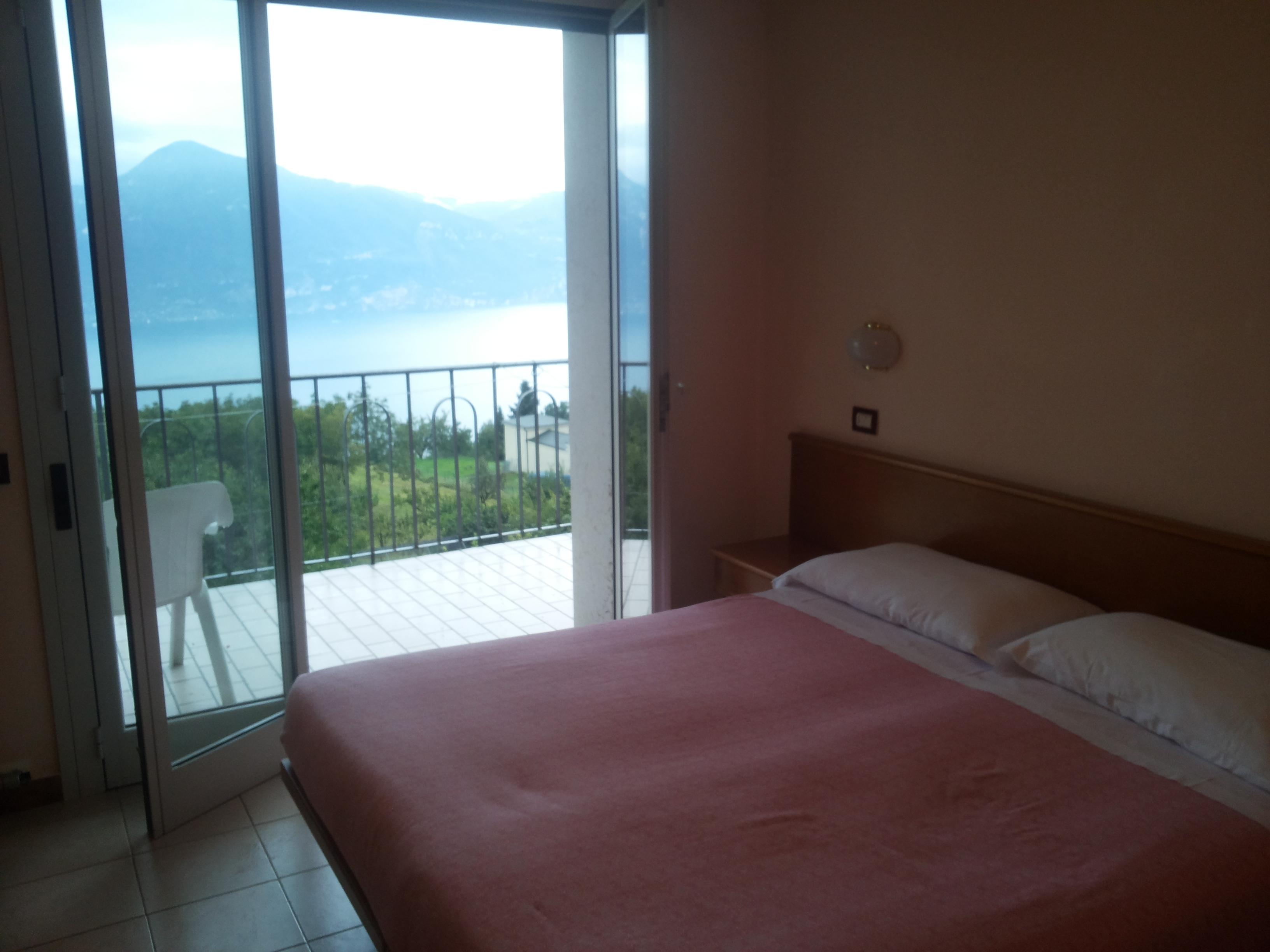 """Hotel der Woche: """"Miralago"""" San Zeno di Montagna (Italien) Was kann es Schöneres geben als vom Bett auf den Gardasee zu schauen???"""