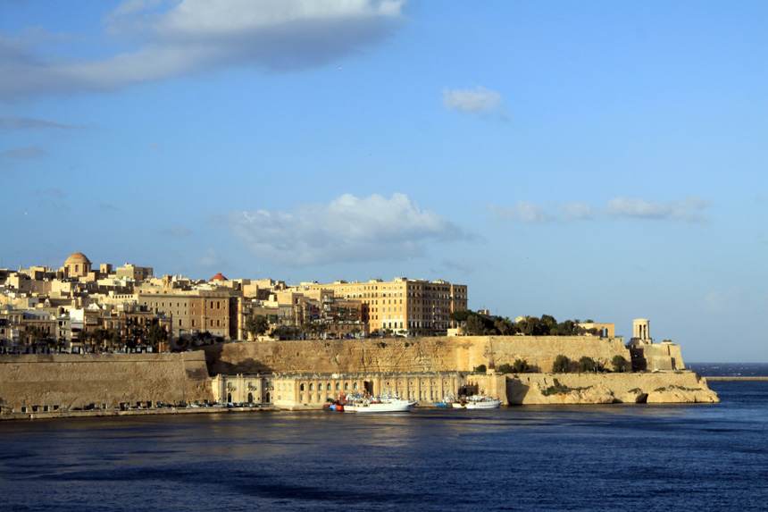 """Die Top-Städteziele für 2015: """"Die Welt""""Welches Reiseziel entwickelt sich gerade und macht von sich reden? In welche Stadt sollte man jetzt reisen, bevor sich alle anderen auf den Weg machen? Die Experten der Reisebibel """"Lonely Planet"""" haben da ihre Tipps. Auf Platz 5 liegt die Hauptstadt von Malta, La Valletta (Foto)."""