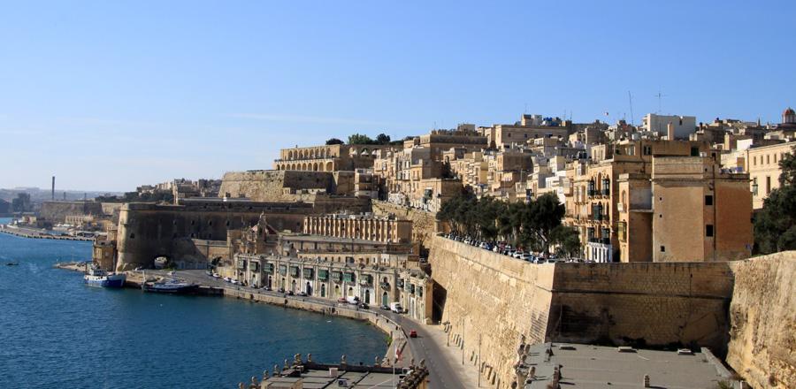 Jeder sollte sich von seinen Interessen und Vorlieben leiten lassen. Wir haben ohne großes Budget Malta gesehen. Es schadet nicht, aber es reißt auch nicht vom berühmten Hocker. Andere Reisende sind in die Insel verliebt. So verschieden sind die Geschmäcker.