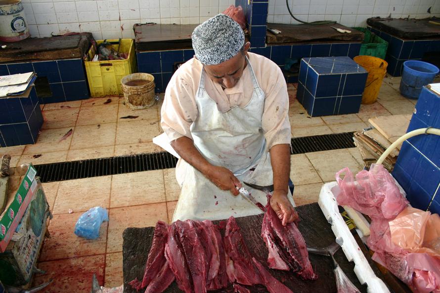 """Wochenmärkte in fremden Ländern: """"FAZ"""" Foto: Fischhändler im Oman"""