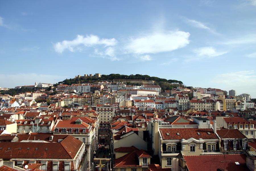 """Lissabon - aufregend und schön: """"Abendzeitung"""" Portugal mag ein armes Sorgenkind in Europa sein, aber seine Hauptstadt Lissabon ist reich an Kultur und Vergnügen. Ein Wochenend-Trip macht Lust auf mehr."""