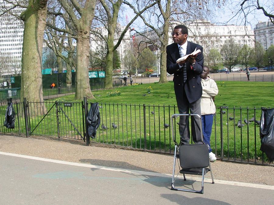 """Tagsüber ist es im Hyde Park deutlich angenehmer - trotz diverser """"Speaker"""""""