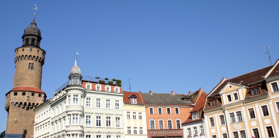 Der Reichenbacher Turm gehört zur ehemaligen westlichen Stadtbefestigung von Görlitz. Er ist 51 Meter hoch und wird nur vom Rathausturm überragt (63 Meter).