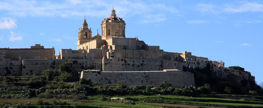 """Auch wenn Mdina heute """"stille Stadt"""" genannt wird (nur ein Hotel und wenige Restaurants), sollte man den Ort besuchen. Mdina war immerhin mal eine der früheren Hauptstädte Maltas."""
