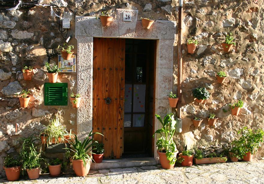 """Tapas, Künstler, Mandelblüte: """"BILD"""" Ein Inselkenner sagt, was Mallorca so liebenswert macht. Und was Urlauber dort nicht verpassen sollten."""