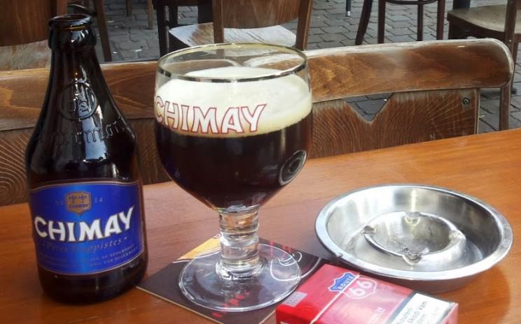 Das Ende eines sommerlichen Tags in Brüssel schreit förmlich nach einem gut gekühlten Chimay!