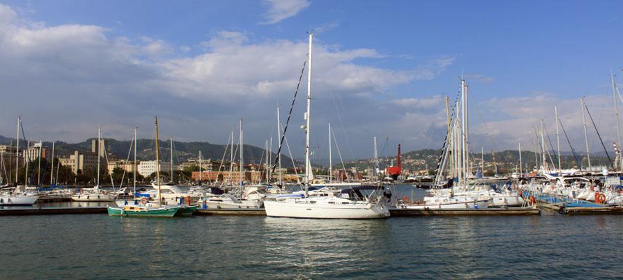 Eine gelungene HALB-ZEIT beginnt am besten in La Spezia mit der Bahn und endet dort mit dem Schiff.
