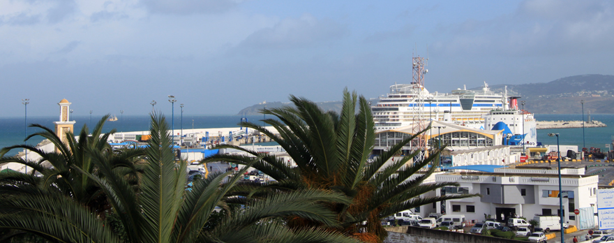 """Nahtstelle zwischen Afrika und Europa: """"NZZ"""" Die marokkanische Hafenmetropole ist eine Nahtstelle zwischen Afrika und Europa, zwischen Atlantik und Mittelmeer. Vor allem aber ist sie eine vibrierende, chaotische Traumstadt."""